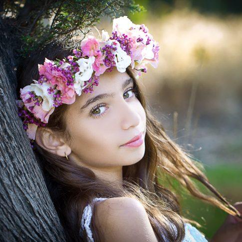 בוק בת מצווה של דניאלי זר פרחים