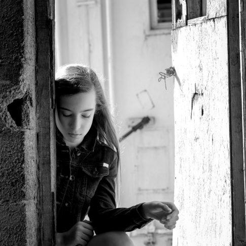מהבוק בת מצווה של מאי על מפתן הדלת