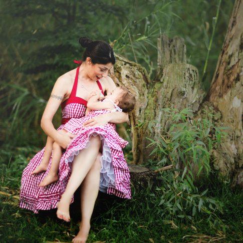 צילומי הנקה בטבע בשרון