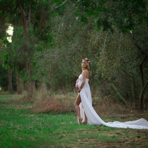 צילומי הריון בטבע של אודרי