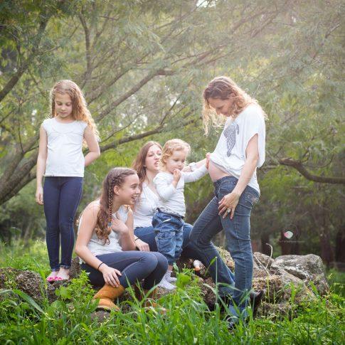 צילום משפחה והריון בטבע 4 בנות