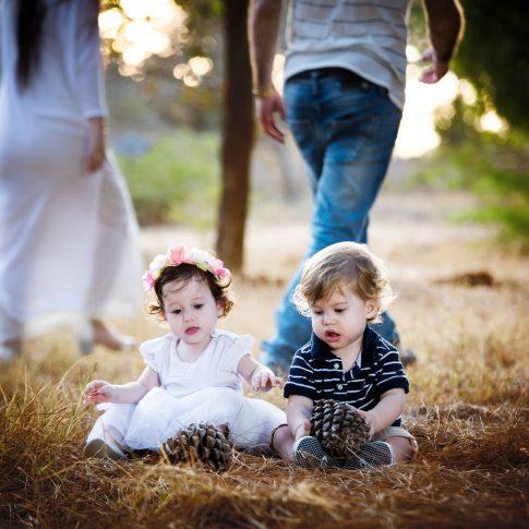צילומי משפחה וילדים תאומים