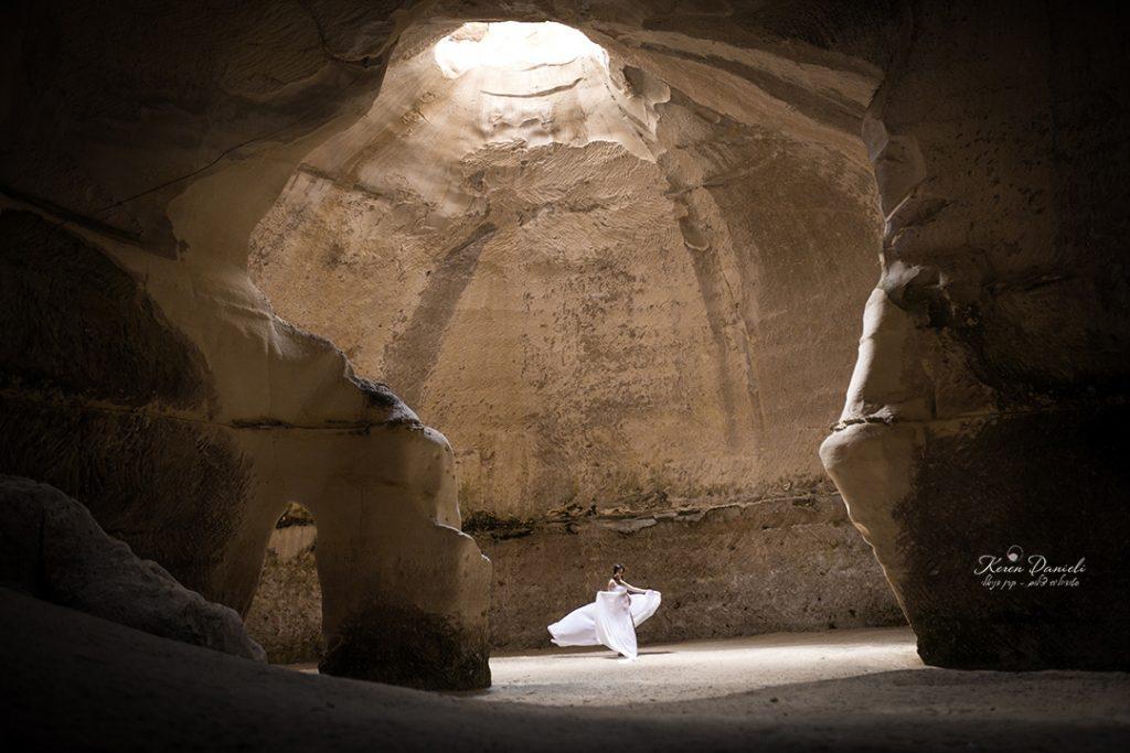 צילומי הריון מקוריים במערה