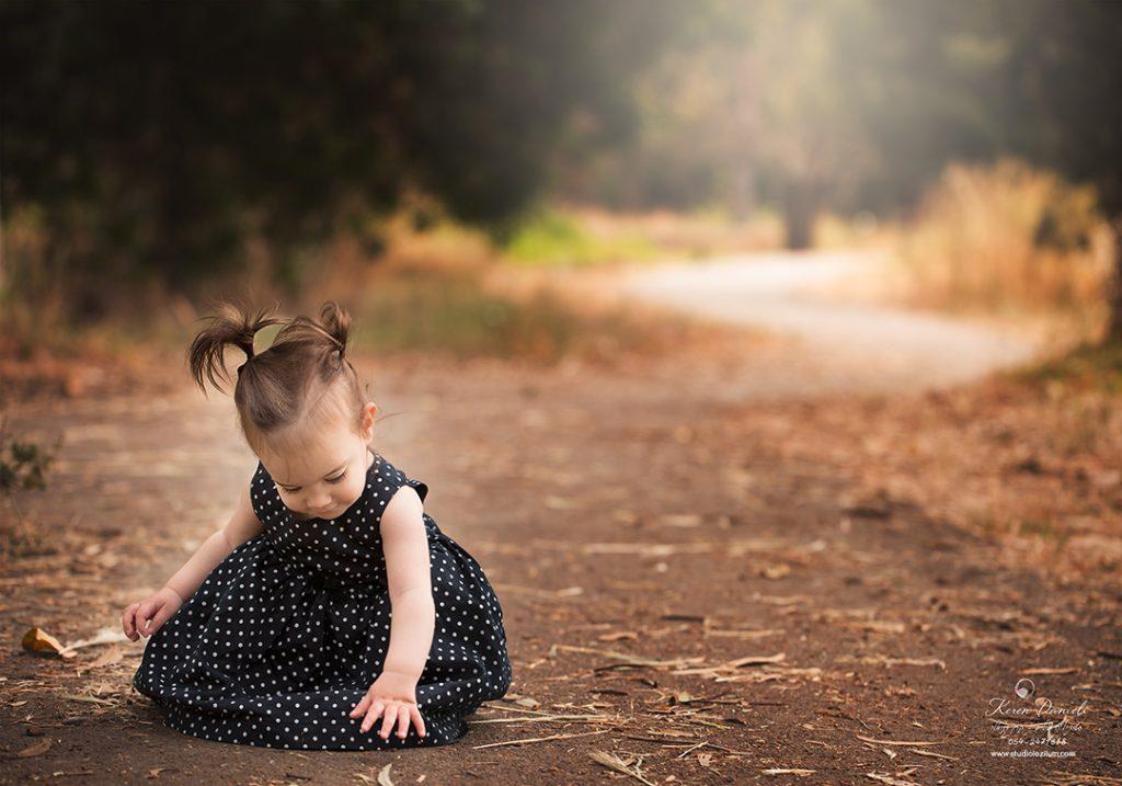 נעמי צילומי ילדים בגובה הילד